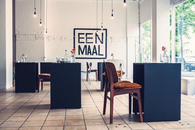 Eenmaal pop-up rest for dining alone