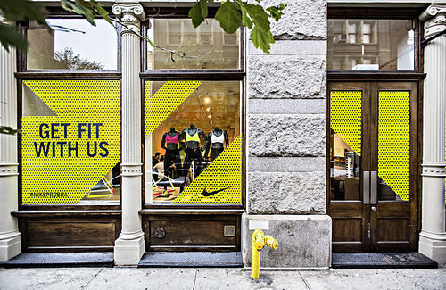 nike pop-up-shop sportbra